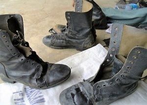 De acordo com as Normas Regulamentadoras, NR-6, sobre Equipamentos de  Segurança Individual (EPI) incluindo botas de segurança e calçado, deve ser  fornecido ... f1431a5c52